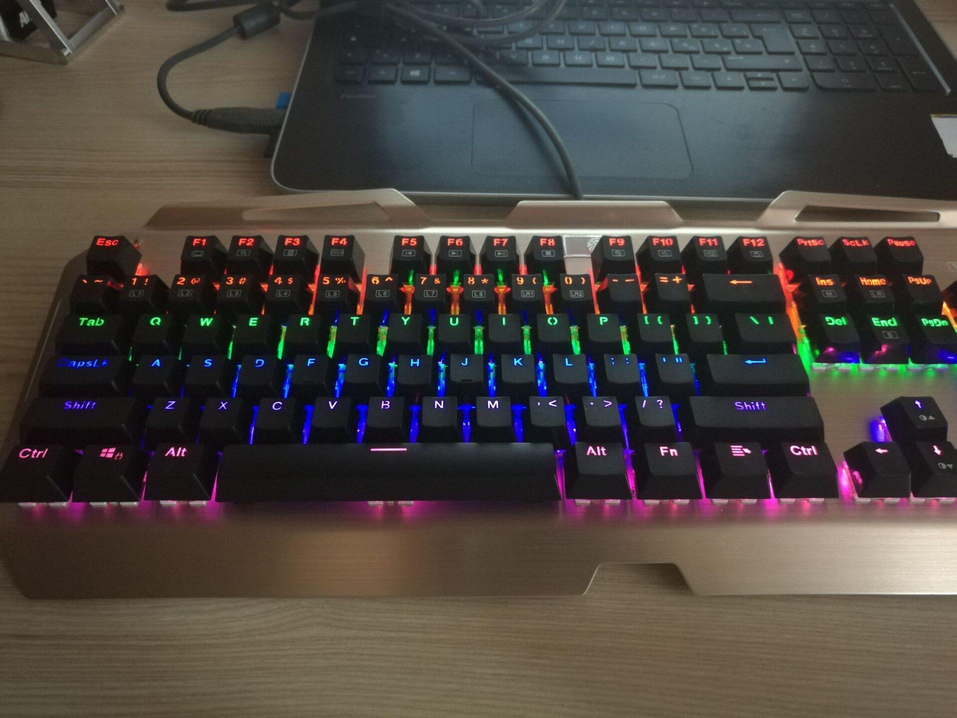 La mia recensione di Tastiera Meccanica Gaming KingTop